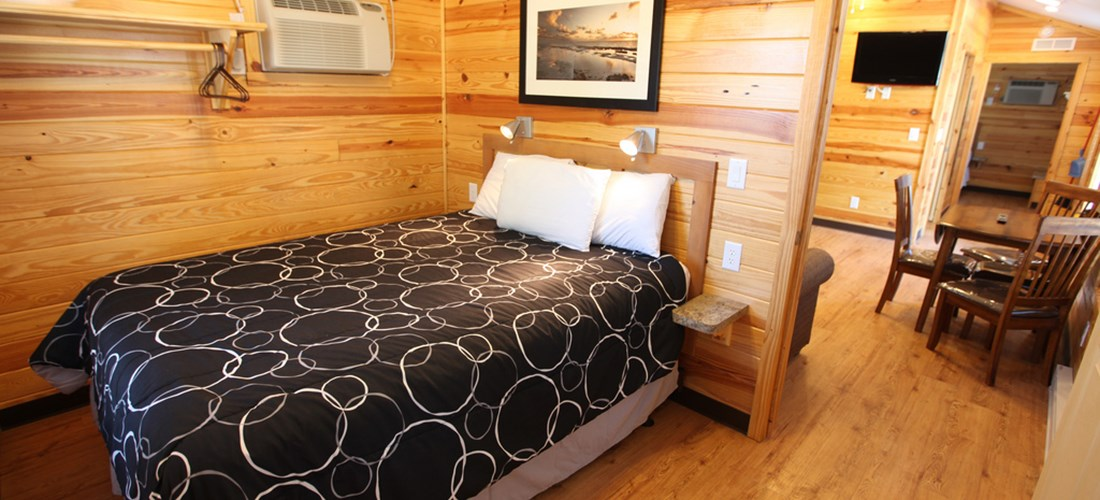 Both bedrooms have queen beds.