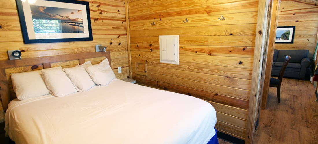 This cabin comes furnished with linens for the queen bed.