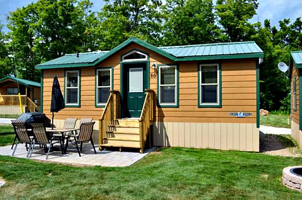 Deluxe Cabins: The perfect place to stay!
