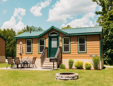 Weekday 25% Deluxe Cabin Deal Photo