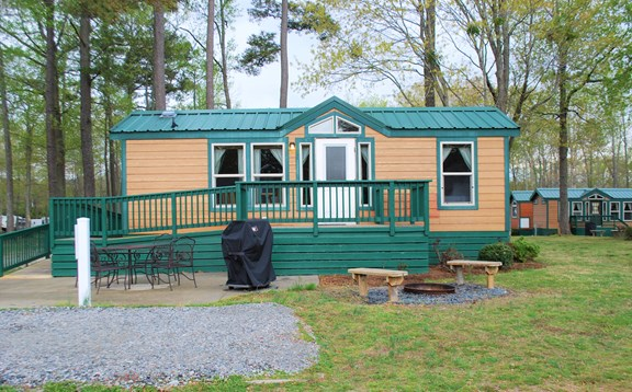 4-person Deluxe Cabin, handicap-friendly