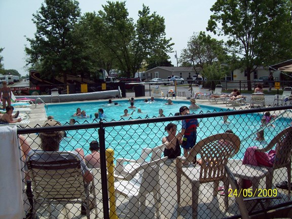 Heated Outdoor Pool - May 26 to Labor Day