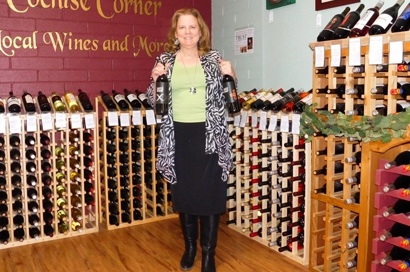 Free Wine Tasting at Mustang Mall in Sunizona Photo