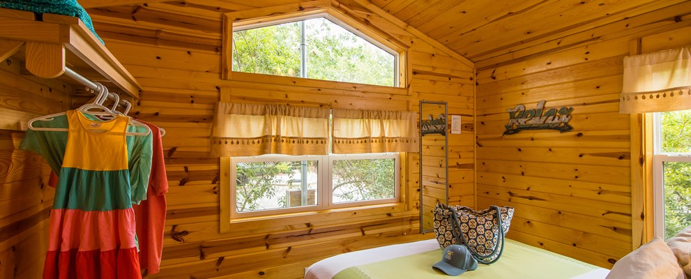 Master Bedroom Deluxe Cabin (Med or Large)