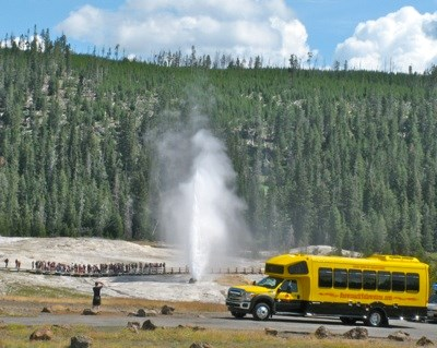 Bus Tours of Yellowstone